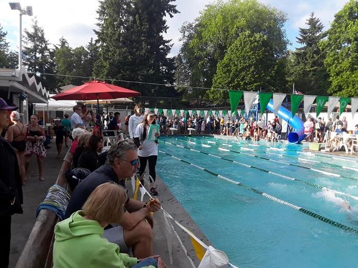 Mercerwood Water Polo Takes 3 of 5 Titles at Midlakes